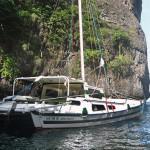 Charter Catamaran Tiki 30 Anchored Hong Phi Phi Don